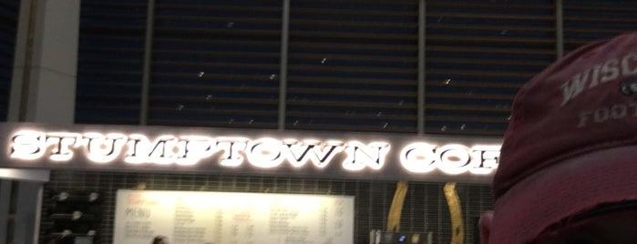 Stumptown Coffee Roasters is one of สถานที่ที่ Noland ถูกใจ.