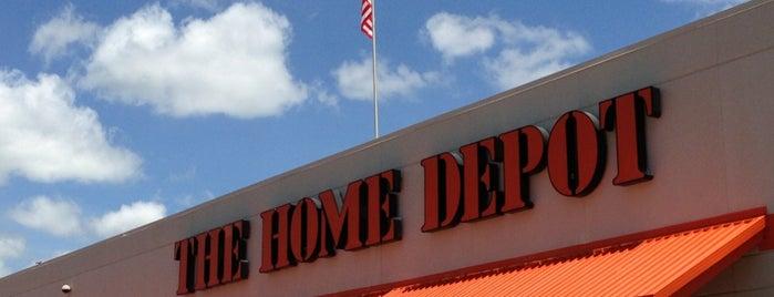 The Home Depot is one of Steve'nin Beğendiği Mekanlar.