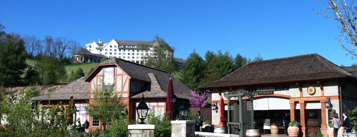 Antler Village At Biltmore Estate is one of สถานที่ที่ Lisa ถูกใจ.