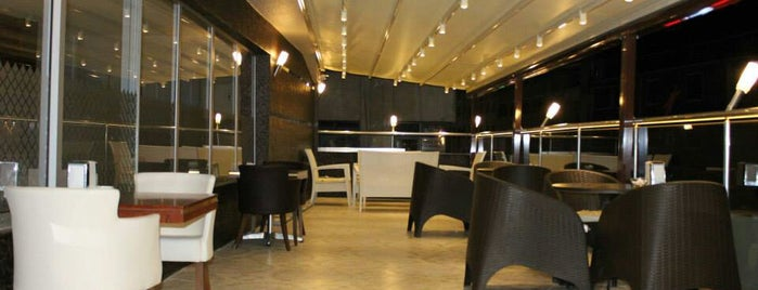 Zirve Cafe & Restaurant is one of Ömer 님이 좋아한 장소.