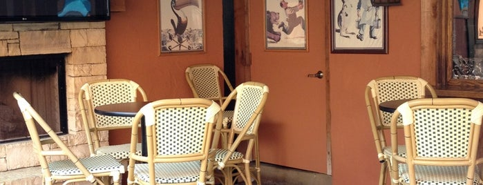Cooper's Pub & Restaurant is one of Onur 님이 좋아한 장소.