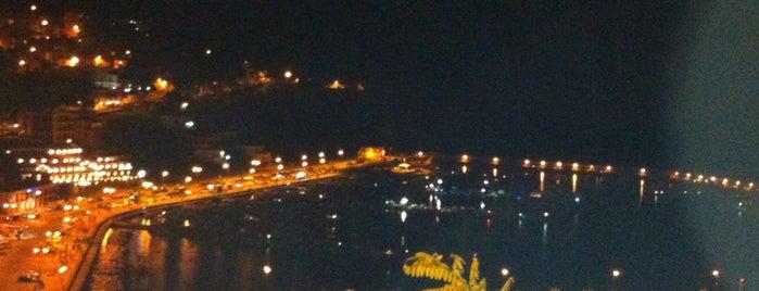 Porto di Agropoli is one of Orte, die Polina gefallen.
