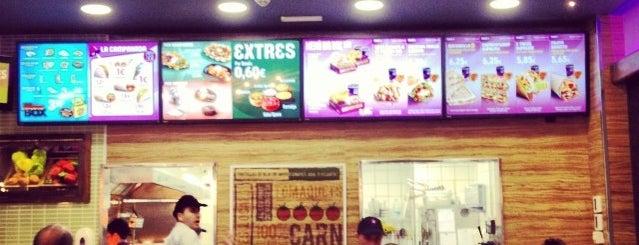 Taco Bell (C.C. La Maquinista) is one of Locais curtidos por Bram.