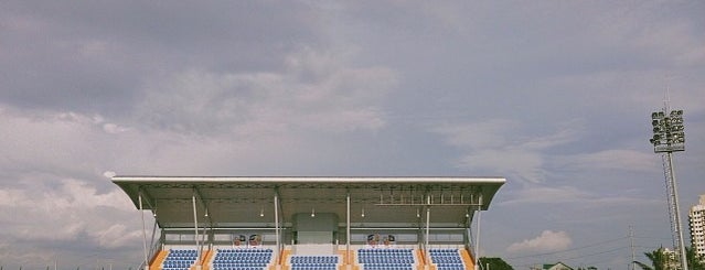 Emperador Stadium is one of Lugares favoritos de Jerome.