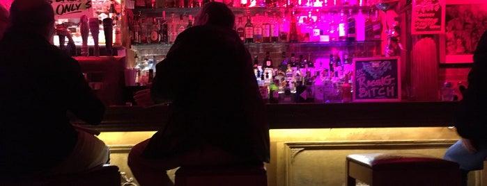 Tribeca Tavern is one of Locais curtidos por Tony.