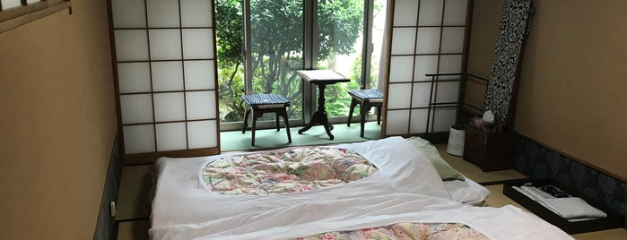 Yochi-in Temple is one of Mirei Shigemori 重森三玲.