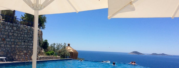 Kalamar Hotel Pool is one of KAŞ.