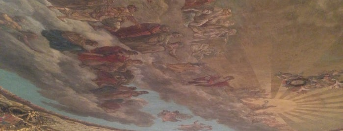 Teatro San Carlo is one of Alexandra'nın Beğendiği Mekanlar.