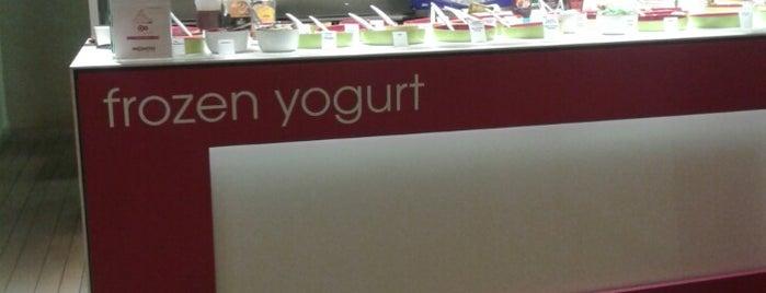 Moochie Frozen Yoghurt is one of Op Dr 님이 좋아한 장소.