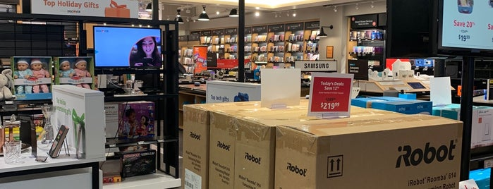 Amazon Books is one of Rick'in Beğendiği Mekanlar.