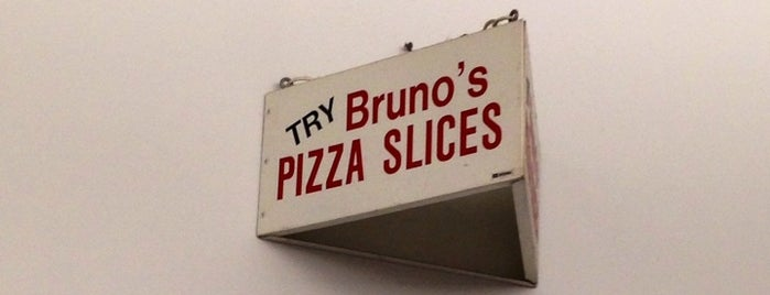 Brunos Pizza is one of Lindsaye 님이 좋아한 장소.