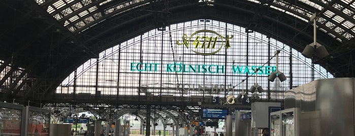 Köln Hauptbahnhof is one of Locais curtidos por Kawika.