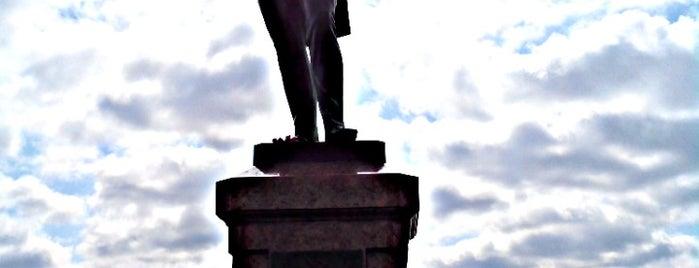 Памятник адмиралу И. Ф. Крузенштерну is one of Lugares favoritos de Stanislav.
