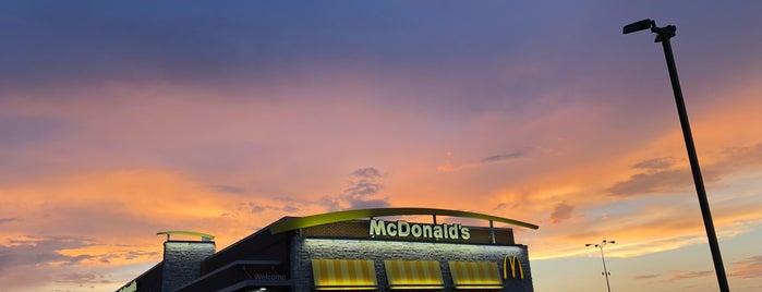 McDonald's is one of Lieux qui ont plu à Devin.