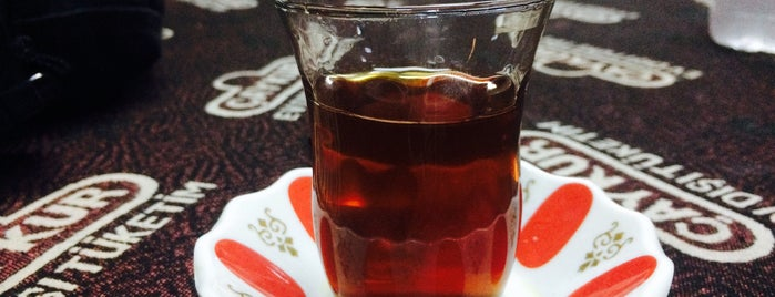 Taş Kahve is one of Lieux qui ont plu à Tahsin.