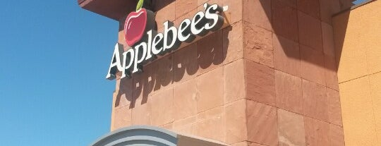 Applebee's Neighborhood Grill & Bar is one of Lugares favoritos de BJ.