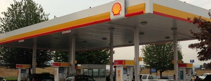 Shell is one of Tempat yang Disukai Brian.