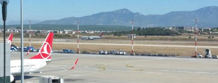 İzmir Adnan Menderes Havalimanı (ADB) is one of Posti che sono piaciuti a Ömer.