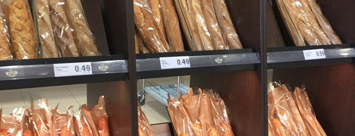 Lidl Supermercado is one of segovia.