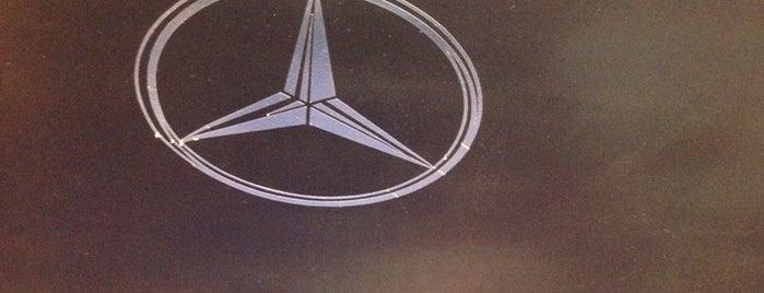 CDT Mercedes-Benz is one of Locais curtidos por Will.