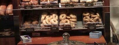 Panera Bread is one of Tempat yang Disukai Shawn Ryan.