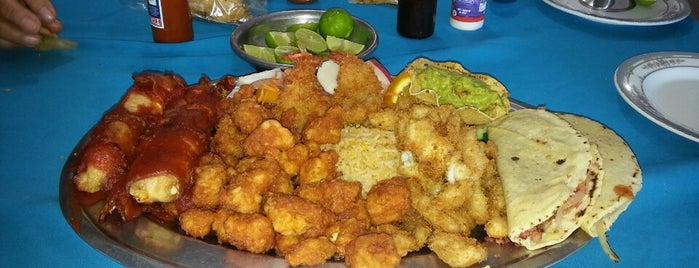 Restaurant Mi Costa is one of Lugares favoritos de Richard.