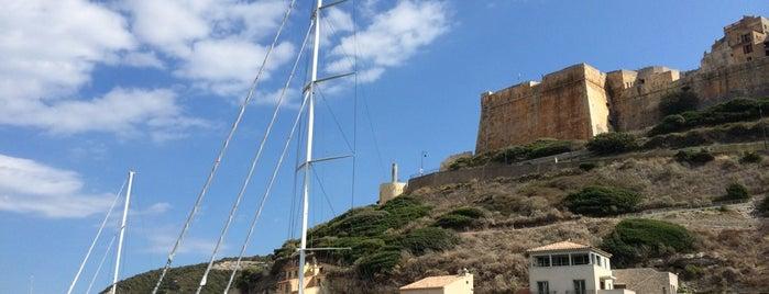 Port de Bonifacio is one of La Corse par la côte ouest.