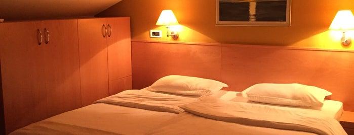 Hotel Saudade is one of Lieux sauvegardés par Kristóf.