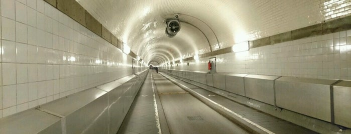 Alter Elbtunnel is one of To-visit in Hamburg.