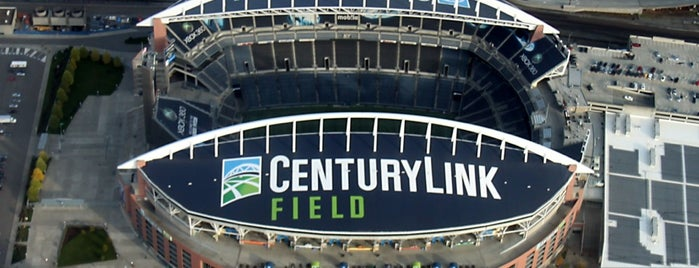 CenturyLink Field is one of Lugares favoritos de Matt.
