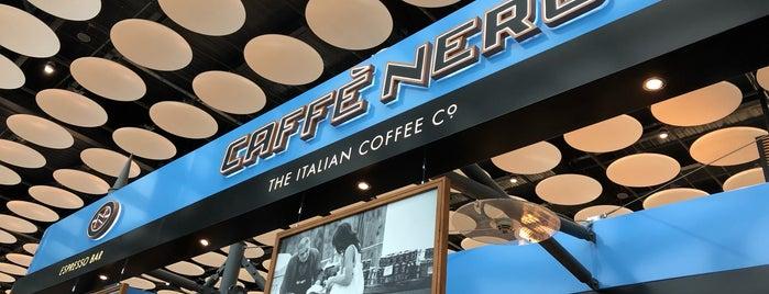 Caffè Nero is one of Lieux qui ont plu à Sergio M. 🇲🇽🇧🇷🇱🇷.