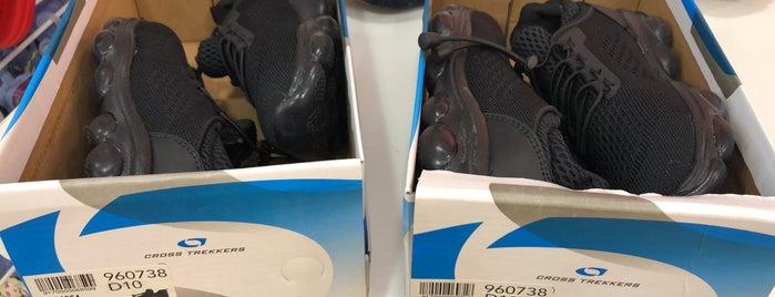 Payless ShoeSource is one of Locais curtidos por Abdulrahman.