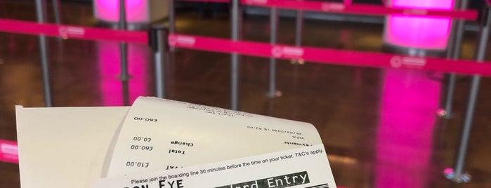 The London Eye Ticket Office is one of Posti che sono piaciuti a Abdulrahman.