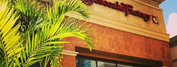 The Cheesecake Factory is one of Ashley'in Beğendiği Mekanlar.