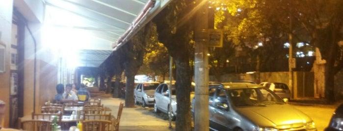 Bar e Restaurante Tip-Top is one of สถานที่ที่ Lairson ถูกใจ.