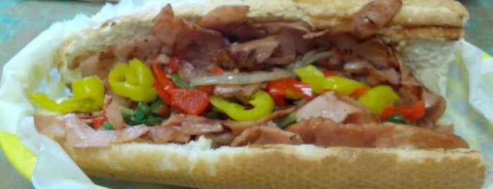 Tucci's Southside Subs is one of Posti che sono piaciuti a Sam.