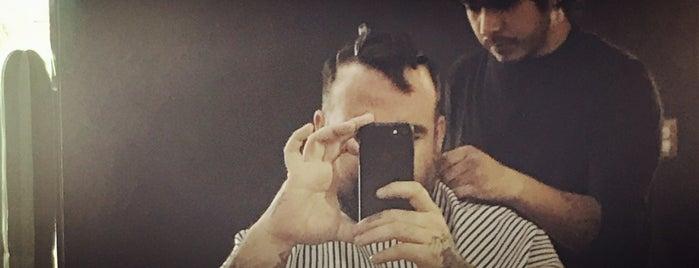 Tezca Barbershop is one of Lieux qui ont plu à Armando.