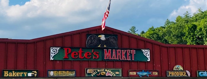 Pete's Market is one of Tempat yang Disukai The Traveler.