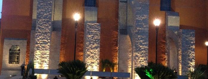 Plaza Fundadores is one of Lugares favoritos de Klelia.