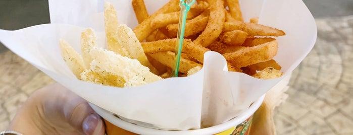Potato Corner is one of Orte, die Wei gefallen.