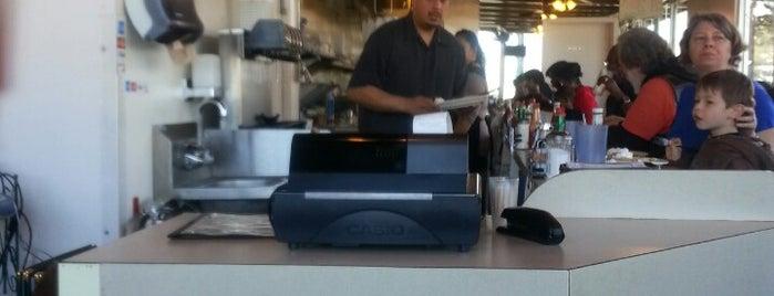 Bayside Cafe is one of Breakfast spots.