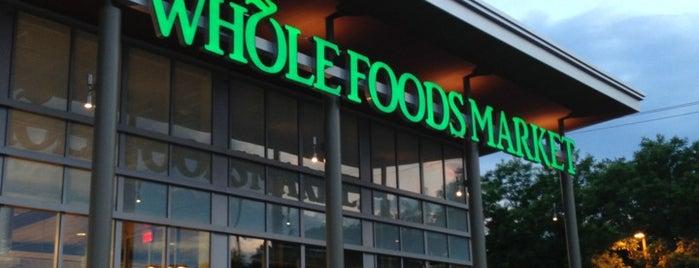 Whole Foods Market is one of Elaine'nin Beğendiği Mekanlar.