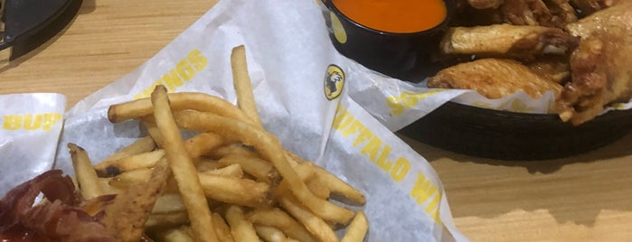Buffalo Wild Wings is one of Posti che sono piaciuti a Can.