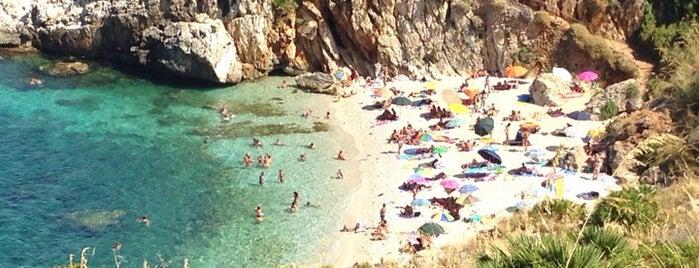 Cala Tonnarella dell'Uzzo is one of Alexandra 님이 좋아한 장소.