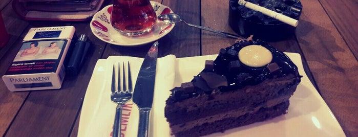Demlik Cafe is one of Tempat yang Disukai Barış ☀️.
