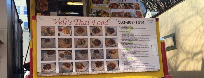 Veli Thai Food is one of Locais curtidos por Brandon.