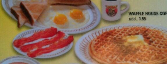 Waffle House is one of Locais curtidos por Debbie.
