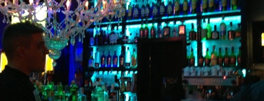 Metropolitan Lounge Café is one of Madrid ♥ Bayswater Gin.