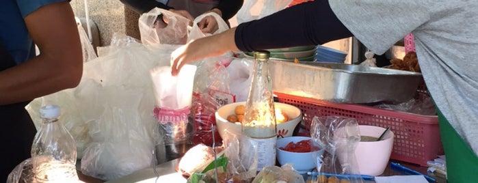 ปุ๊ เย็นตาโฟ is one of BKK_Noodle House_1.
