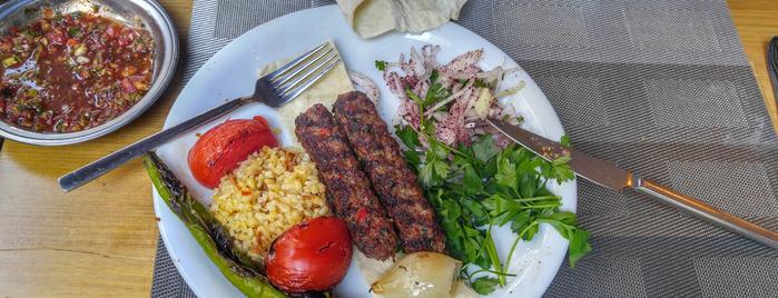 Bitlisli is one of www.tatiliyet.com'un Beğendiği Mekanlar.